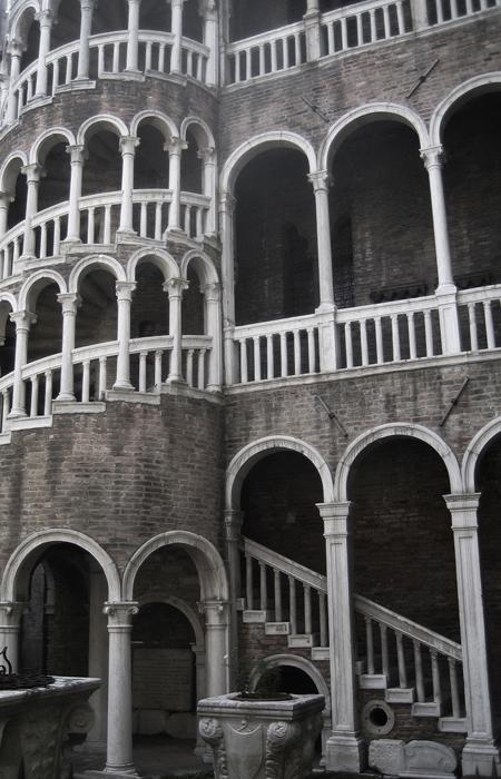 venice-spiral-staircase